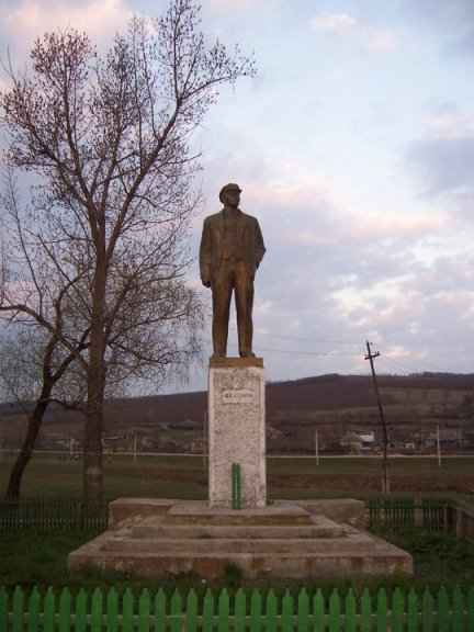 Sanda Watt, Lenin din Ciobalaccia, Republica Moldova, 2008;
