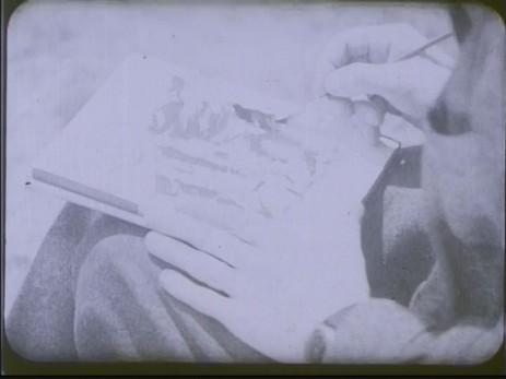 "Fig. 3: Cadru 3, subiect f. ""Expoziția lui Jules Perahim"" din ""Jurnalul sonor ONC nr. 13 / 1945"", film, 35 mm, a/n, Documentar, România, ANFR, 1945, Producător: ONC. Prin amabilitatea Cinematecii Române – Arhiva Naționale de Filme din România © 2013."