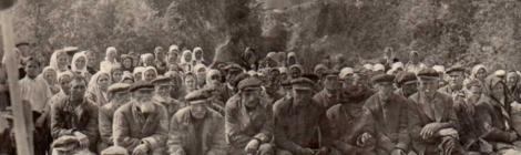 Curtea sătească. Comunca Buguruslanskii din gubernia Samara. Fotografie din 1900-1903. Sursa: newsmen-lj.livejournal.com